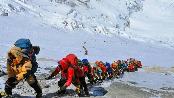 Großer Andrang am Mount Everest