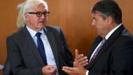 Gabriel und Steinmeier warnen vor unbegrenzter Zuwanderung
