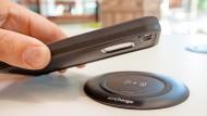 Handys lassen sich fast ohne räumliche Begrenzung laden