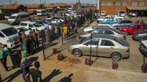 Südafrika hebt Verbot von Alkohol auf