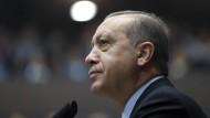 Recep Tayyip Erdogan wird weiter Journalisten und Menschenrechtler verhaften lassen, denn härtere Maßnahmen muss er nicht befürchten.