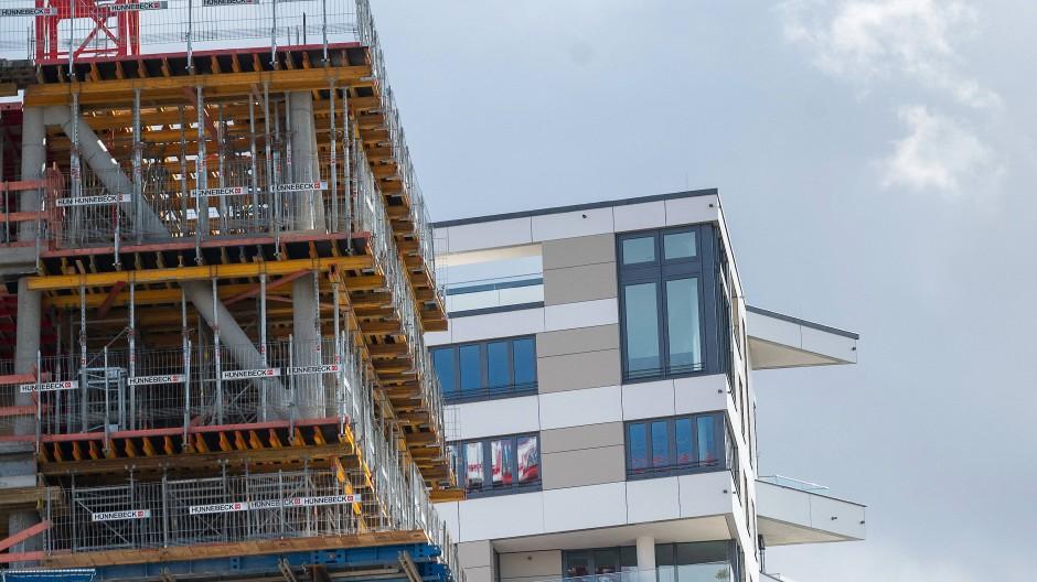 Auch wer sein Geld in Immobilien anlegt, geht Risiken ein