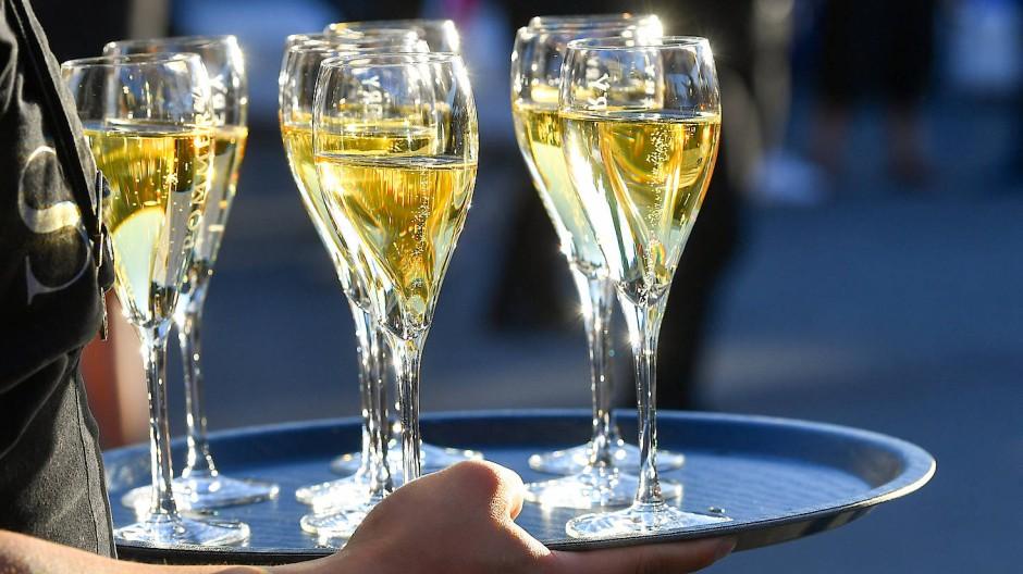 Das Aldi-Sorbet enthielt zwar Champagner, doch das allein genügte offensichtlich nicht, um das geforderte Champagner-Aroma zu gewährleisten.