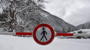 Zwei tote Schneeschuhwanderer in Österreich geborgen