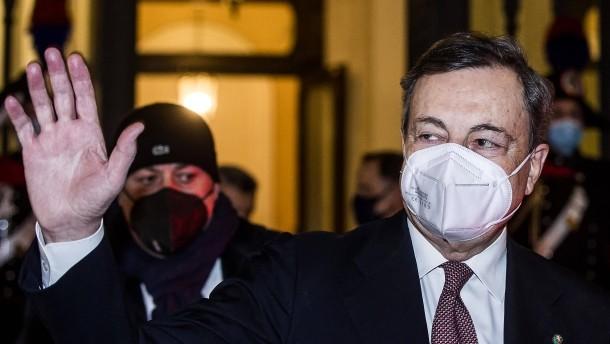Draghi gewinnt erste Vertrauensabstimmungen