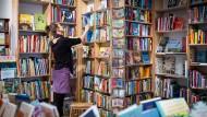 Es sind noch Bücher da: Verkauf bei Marx & Co. in Frankfurt