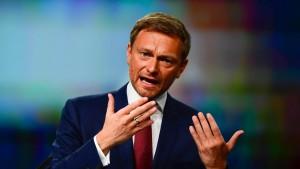 Lindner attackiert Union und SPD scharf