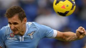 Mertesacker und Özil krank, Klose verletzt