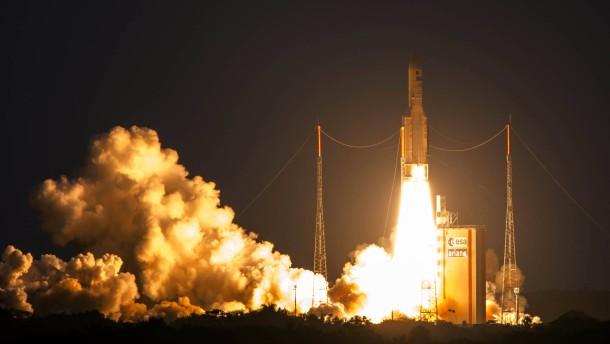 Ariane-Rakete bringt zwei Satelliten ins All