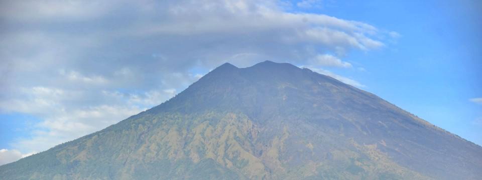 Der Mount Agung Brach Zuletzt Vor 53 Jahren Aus.