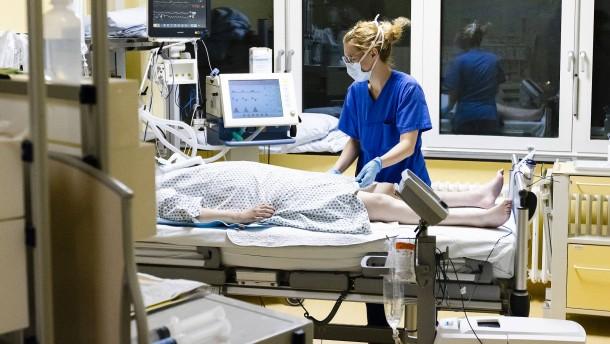 Neuer Höchststand von 590 Corona-Todesfällen binnen 24 Stunden