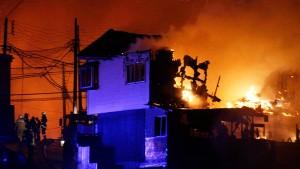 Feuer in Valparaíso tötet elf Menschen