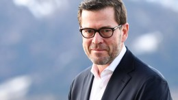 Guttenberg darf sich wieder Doktor nennen
