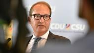 """Dobrindt spricht von """"sehr ernster Lage"""" in der Union"""