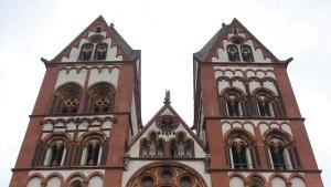 Wie reich Deutschlands Kirchen wirklich sind