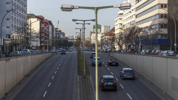 Der Autobahntunnel als Denkmal des Irrsinns