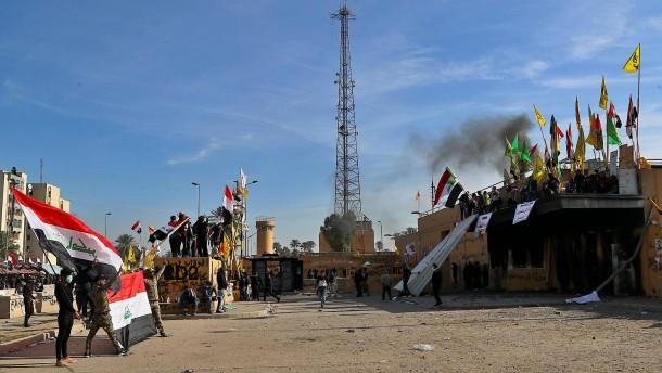 Tote nach Raketen-Angriff auf Bagdader Flughafen