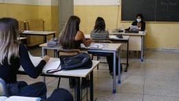 Es fehlen Tische, Räume und Lehrer