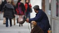 Haben es künftig schwerer: Bettler, wie hier auf der Sendlinger Straße in München