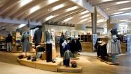 Konsumoase: Im Butzbacher Laden kommt Hess Natur ohne handelsübliches Gedudel aus – und ohne Klimaanlage.