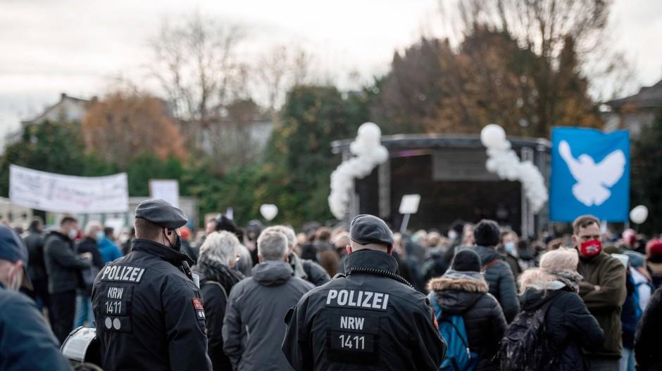 """Die Initiative """"Querdenken 234 Bochum"""" hat im November zu der Demonstration gegen die Corona-Maßnahmen in Bochum aufgerufen."""