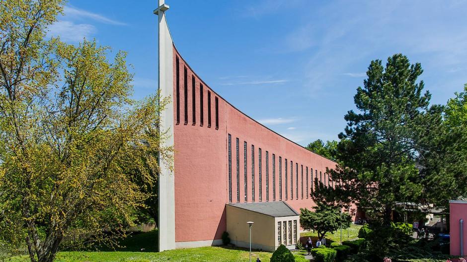 Archetypisch: Zweifellos ist die Kirche St. Christophorus ein architektonischer Hingucker.