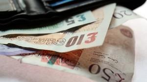 Britische Bahngesellschaften nehmen Finderlohn aus Geldbeuteln