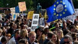 Zehntausende gehen für Klimaschutz auf die Straße
