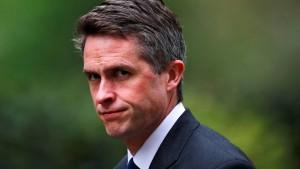 Theresa May entlässt Verteidigungsminister Williamson