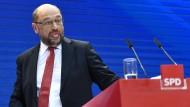Schulz gibt Merkel abermals einen Korb