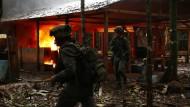 Polizei zerstört Drogenlabore im Dschungel