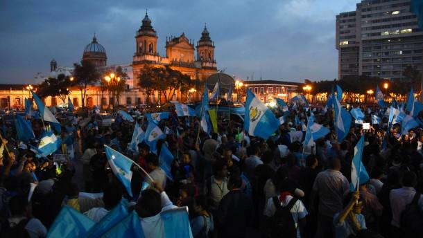 Der Präsident Guatemalas darf sein Land nicht mehr verlassen