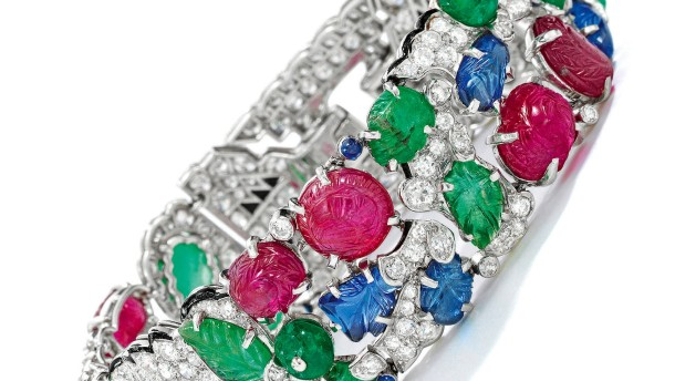 Armband bringt bei Online-Auktion mehr als eine Million Dollar