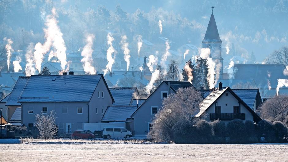 Rauchende Schornsteine: Die Preise für Energie sind ein wichtiger Inflationstreiber.