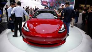Tesla Model 3: Gesehen, gehackt, gewonnen