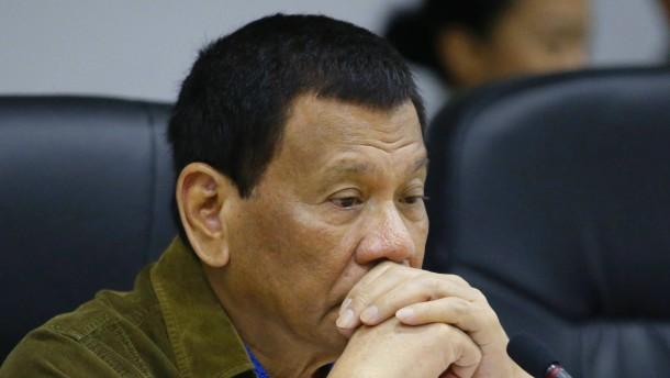 """Duterte gesteht """"außergerichtliche Tötungen"""""""
