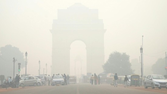 Neu Delhi versinkt im Smog