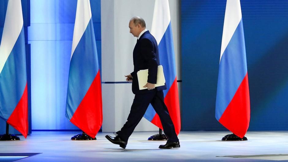 Wladimir Putin bei seiner Rede der Nation in einem Veranstaltungszentrum am Moskauer Kreml am Mittwoch