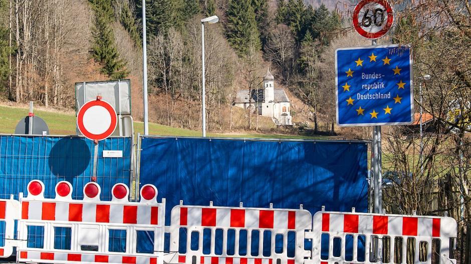 Ein gesperrter Grenzübergang in Bayern nach Tirol, 19. März 2020.