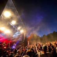Die britische Rockband Lostprophets bei einem Konzert in Budapest 2011 – zwei Jahre später löste sich sich auf, nachdem ihrem Sänger Ian Watkins unter anderem Kindesmissbrauch vorgeworfen wurde.