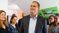 Berliner Bürgermeister warnt vor Wiederaufstieg der Nazis