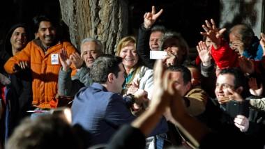 Welche Entscheidung trifft Alexis Tsipras jetzt, da er die Macht in Griechenland errungen hat - Staatsbankrott oder Verhandlung mit der Troika?