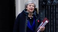 Die britische Premierministerin Theresa May soll am Mittwoch eine außerordentliche Kabinettssitzung in der Downing Street 10 angesetzt haben.