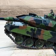 Im Verteidigungsfall ins Baltikum: Ein Kampfpanzer Leopard 2 der schnellen Nato-Eingreiftruppe bei einer Vorführung in Munster