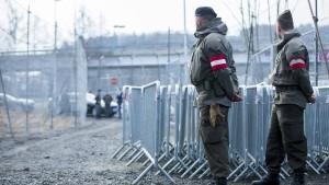 Österreich plant Asyl-Schnellverfahren an der Grenze