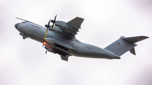Bundeswehr fliegt zunächst nur sieben Personen aus