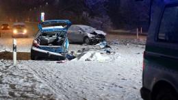 Zwei Tote durch Glätte-Unfälle in Bayern