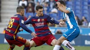 Büffel und Pfosten stoppen Barça