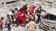 Viele Todesopfer nach Luftangriff auf Markt in Syrien