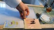 Spurensuche ist auch eine Aufgabe für Chemiker: Untersuchung in einem forensischen Labor im russischen Jekaterinburg